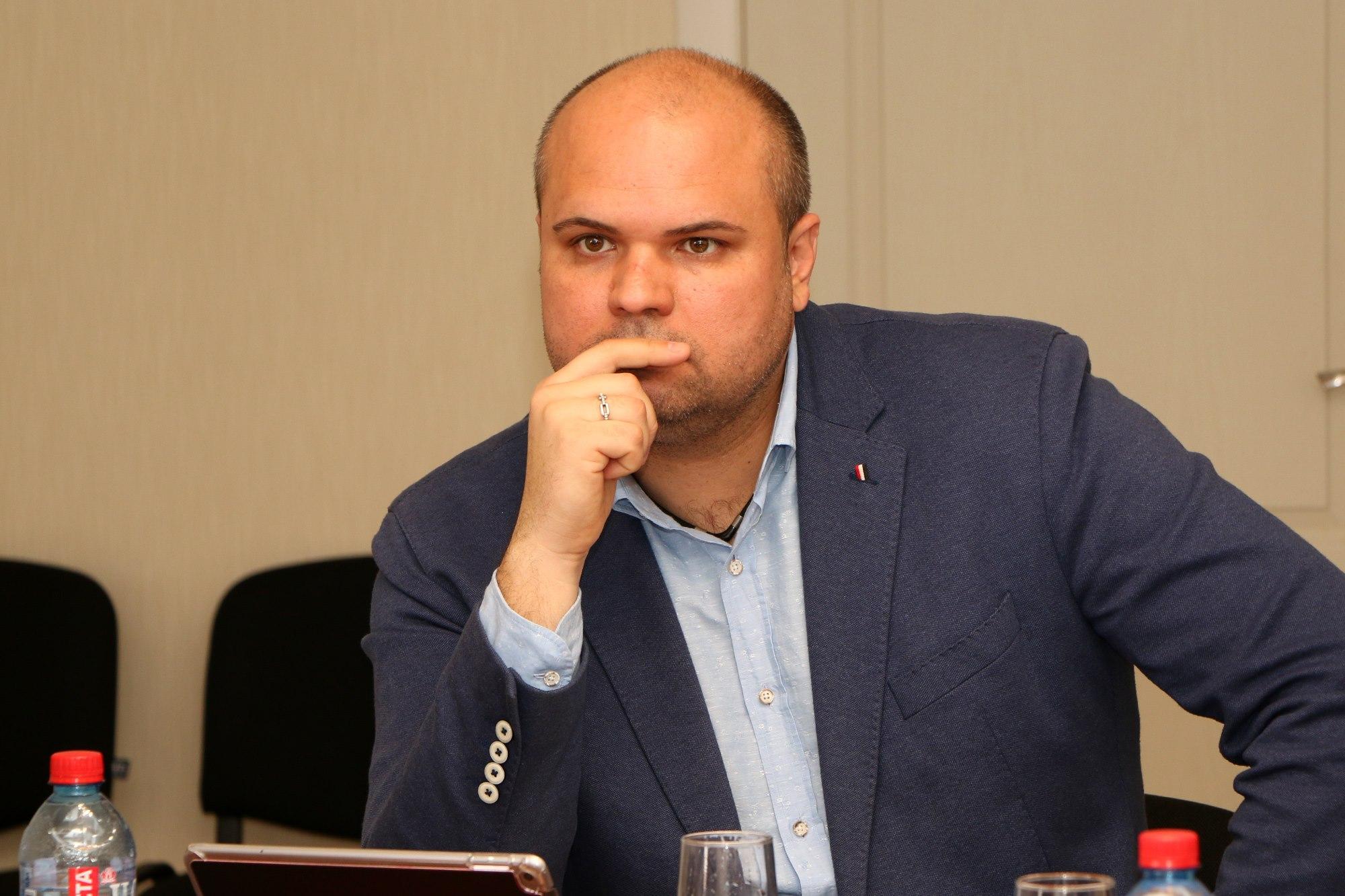 Олег КРИШТАЛЬ: УЕФА признало Крымский футбол, очередь за Керченской Городской Администрацией